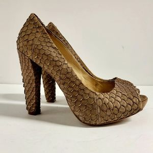 House of Harlow Heels Size 8 (38)